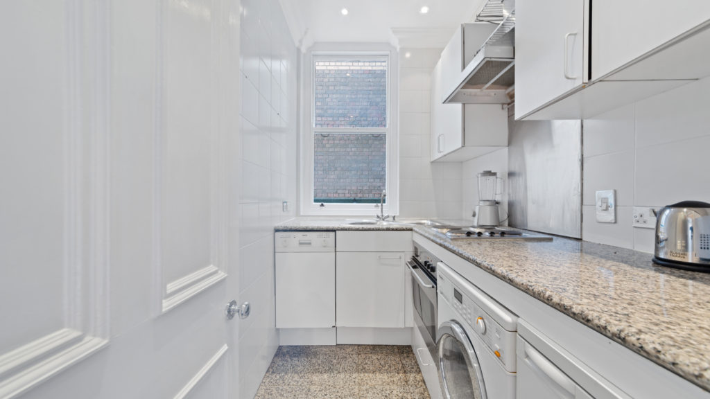 70a Bedfort Court Mansions, Bedford Ave WC1B 3AJ-04