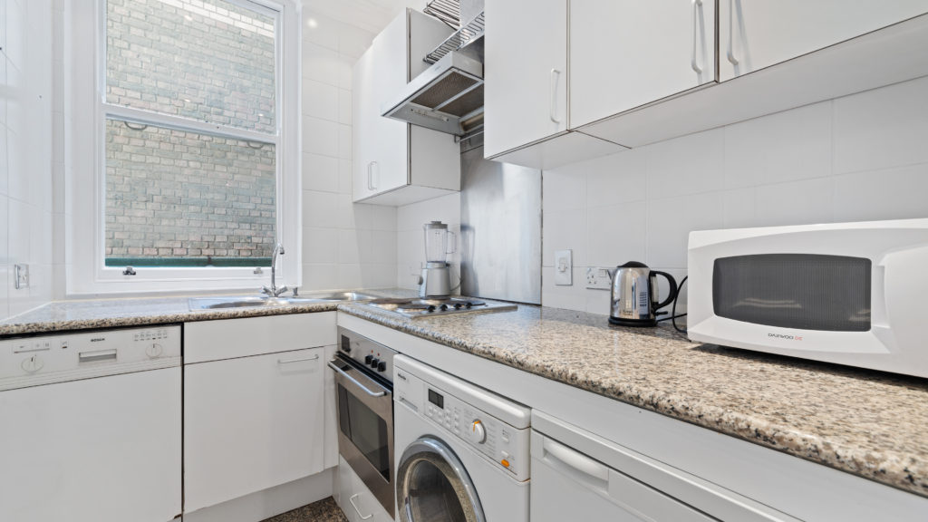 70a Bedfort Court Mansions, Bedford Ave WC1B 3AJ-05