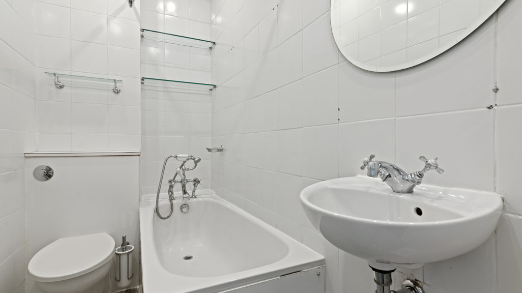 70a Bedfort Court Mansions, Bedford Ave WC1B 3AJ-06