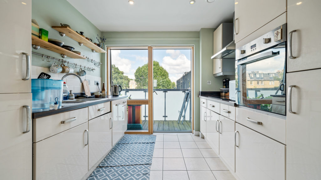 Flat 13, Waites Court NW6 3BD-Low Res-10