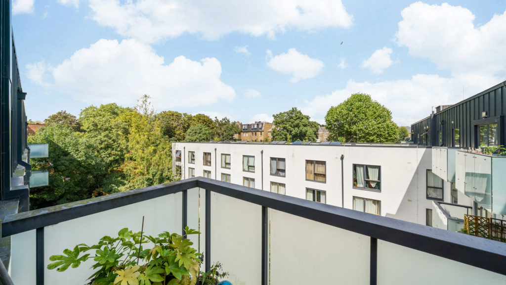 Flat 13, Waites Court NW6 3BD-Low Res-11